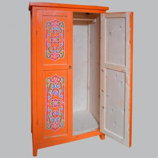 Шкаф плательный: 160 х 90 х 60 см. 18 000 руб.